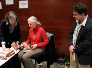 Autograph facilitator, Jane Goodall, UAP Managing Editor—Peter Midgley—sans flash